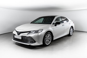 Toyota Camry 2.5 AT (181 л.с.)