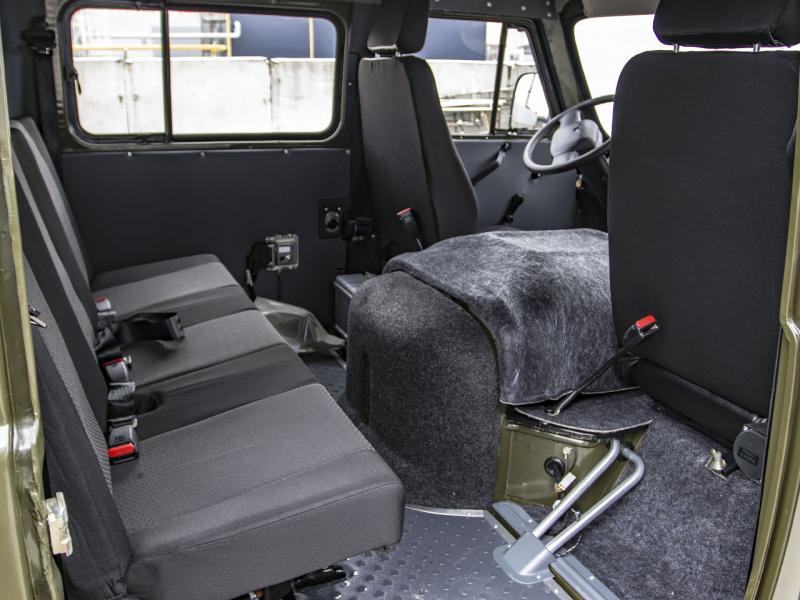 УАЗ Двойная кабина с бортом 2.7 5MT (112 л. с.) Стандарт