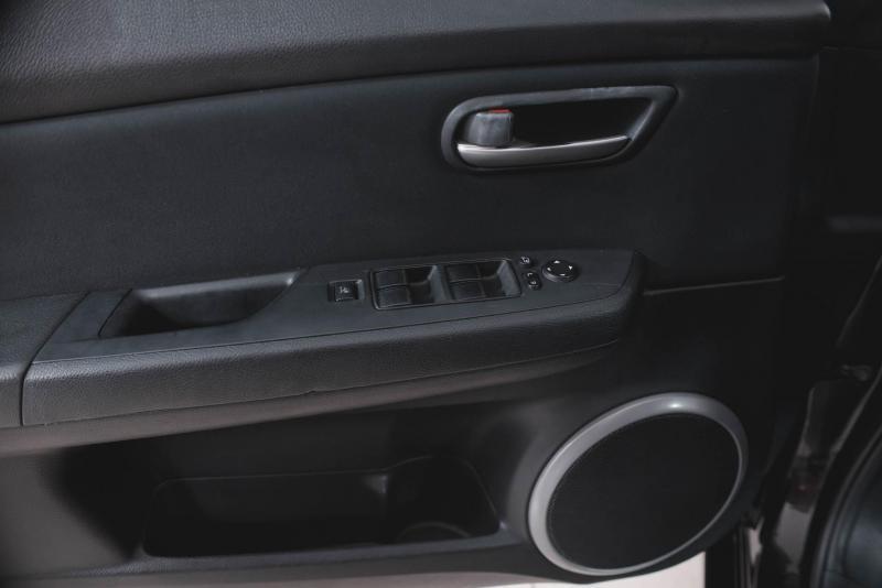 Mazda 6 1.8 MT (120 л. с.)
