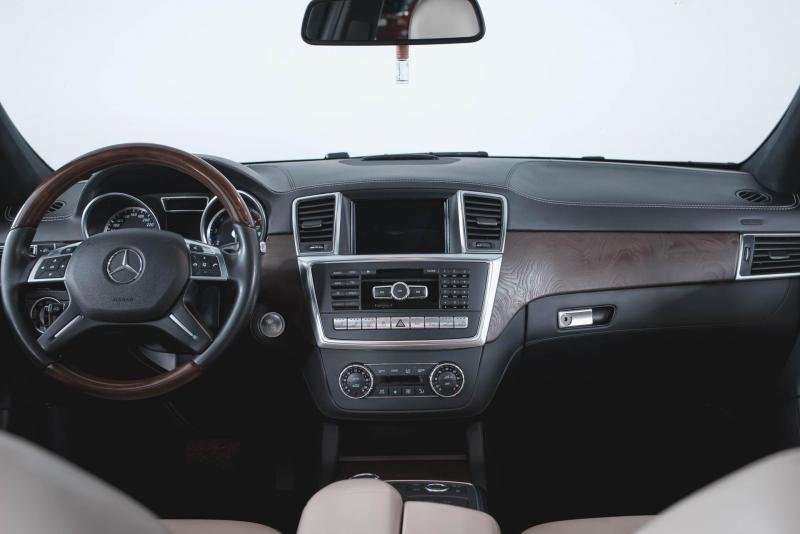 Mercedes-Benz GL-класс 500 4.7 AT (435л.с.) 4WD
