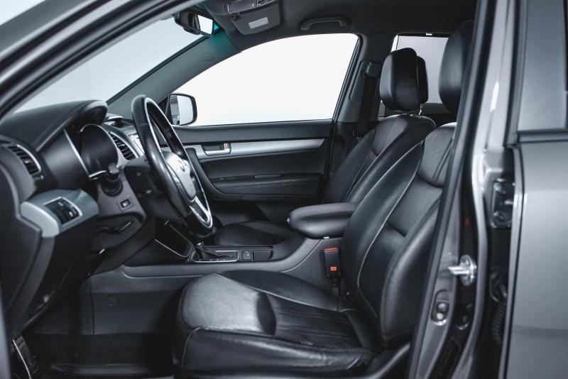 Kia Sorento 2.4 AT 4WD (175 л. с.) Luxe