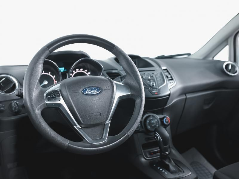 Ford Fiesta Седан 1.6 AT (105 л. с.)
