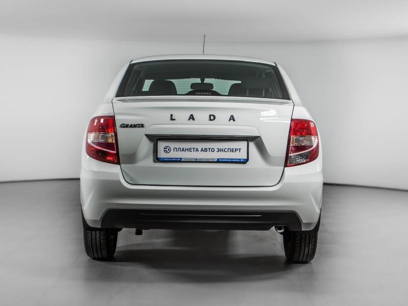 LADA Новая Granta седан 1.6 MT 16 кл (106 л. с.)
