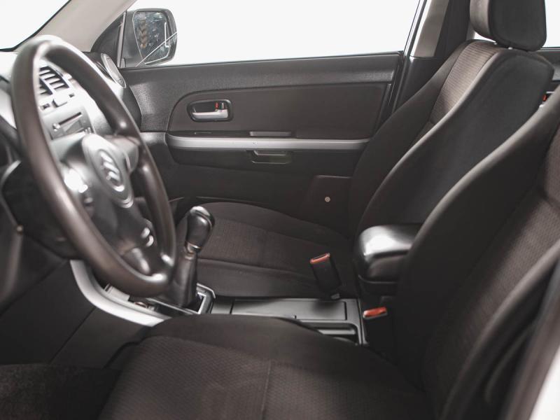 Suzuki Grand Vitara 2.4 MT AWD (169 л. с.)