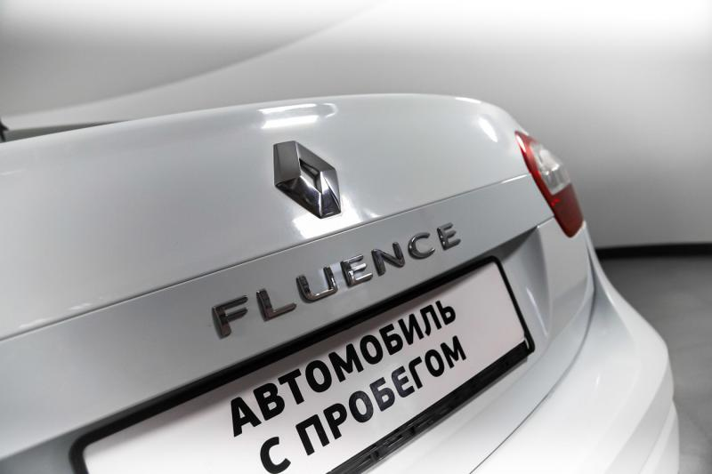 Renault Fluence 1.6 MT (106 л. с.)